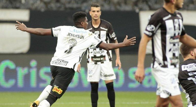 Jemerson comemora o primeiro gol contra a Inter de Limeira, ontem