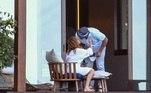 Em meio aos rumores, JLo e o noivo foram flagrados juntos em um hotel na República Dominicana