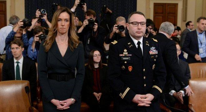 Jennifer Williams e Alexander Vindman chamaram de 'incomum' e 'impróprio', respectivamente, o telefonema de Trump com presidente da Ucrânia