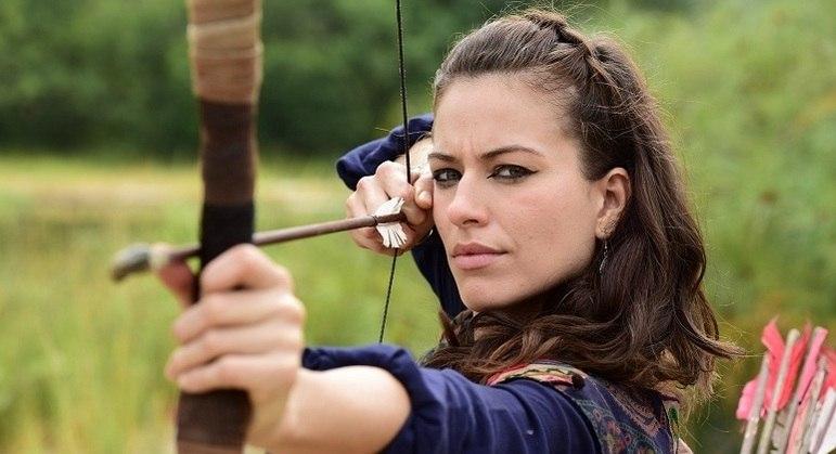 Jéssica interpreta uma jovem arqueira na quinta fase da novela Gênesis