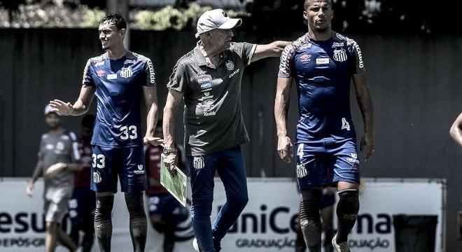 Jesualdo está há duas semana trabalhando no Santos