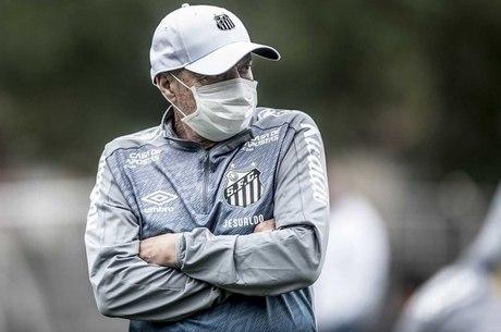 Jeusaldo deixa Santos sete meses após chegada ao Brasil