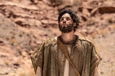 Dudu Azevedo dá vida ao personagem Jesus