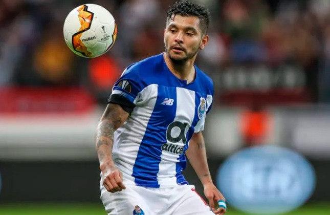 Jesús Corona (28 anos) - Meia-atacante do Porto - Valor de mercado: 30 milhões de euros - Esteve em negociações com o Sevilla, mas o Porto o manteve e tenta a renovação.