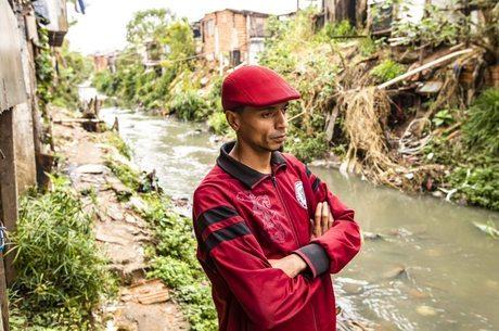 Jhones Rodrigues tenta conscientizar a população