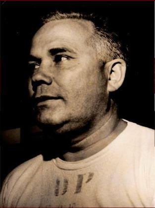 Jim López - O treinador foi mais um dos argentinos que comandou o São Paulo. Foram duas passagens pelo Tricolor, uma em 1953 e 1954  e a outra em 1965.