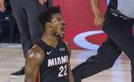 Um dos astros da final entre Miami Heat e Los Angeles Lakers, Jimmy Butler impressiona pela sua história de superação. Abandonado pelo pai e expulso de casa pela mãe, o jogador, hoje um dos 'parças de Neymar', mostrou força e habilidade para chegar ao topo da NBA. Conheça a história do camisa 22 do time da Flórida