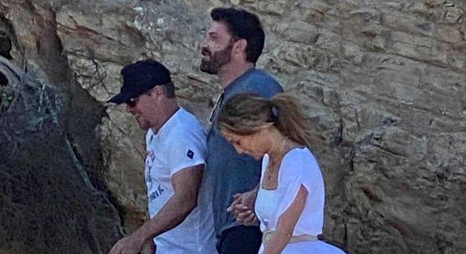 Jennifer Lopez, Ben Affleck e Matt Damon em Malibu, Califórnia, nos EUA