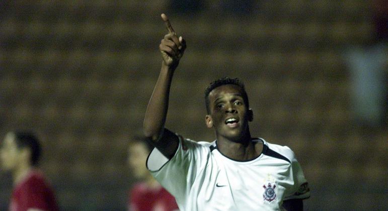 Jô estreou no Corinthians com 16 anos. Andrés sempre teve muito orgulho do atacante