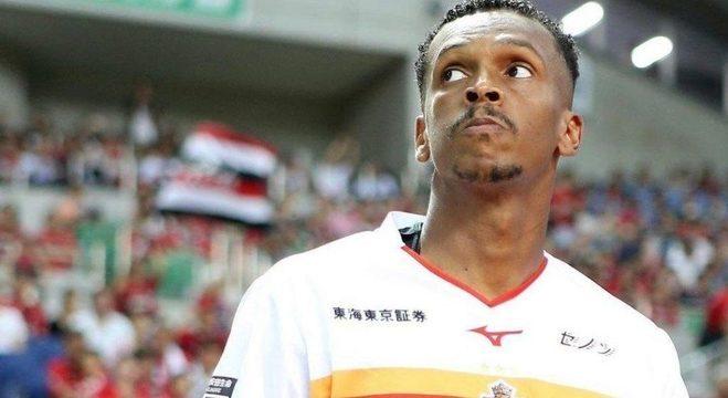Com problemas com o treinador do Nagoya, Jô não joga desde dezembro
