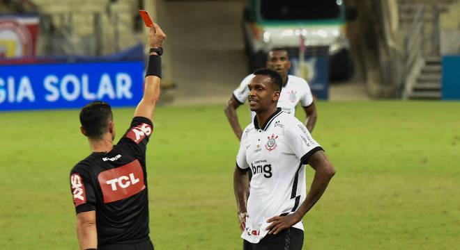 Jô completou sua partida de número 200 com a camisa profissional do Corinthians