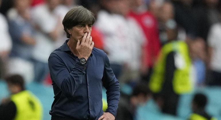 'É uma grande decepção', disse Loew, após a derrota por 2 a 0 para a Inglaterra