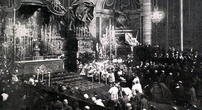 A beatificação de Joana d'Arc aconteceu em Roma em 1909