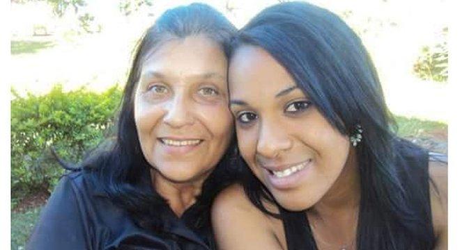 Joana Arcelina De Freitas e a filha, Rayssa: encontraram parentes distantes