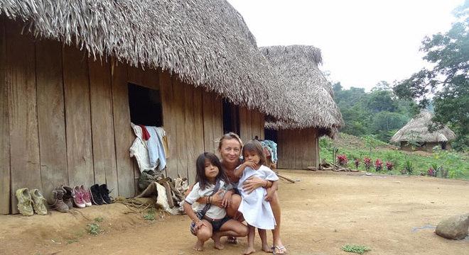 Joanna conta que os três dias que passou em uma pequena aldeia indígena mudaram sua forma de pensar