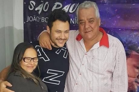 João Bosco, o pai e a mãe Leusbeth Carvalho