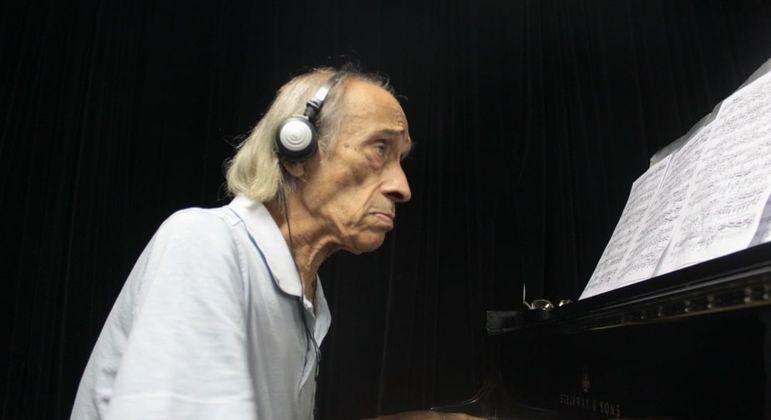 Morre pianista João Carlos de Assis Brasil aos 76 anos