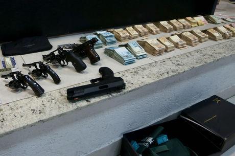 Polícia encontra armas e dinheiro na casa do médium