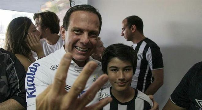O santista João Doria também não aceita retorno do futebol, em São Paulo
