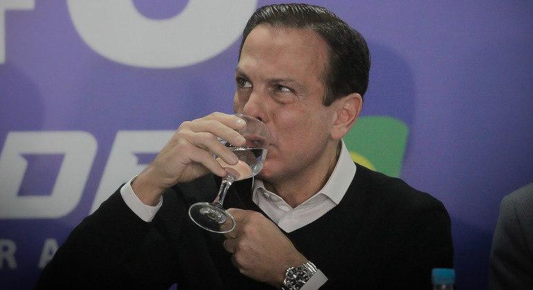 Tucano afirmou que não deve se afastar das atividades após a cirurgia