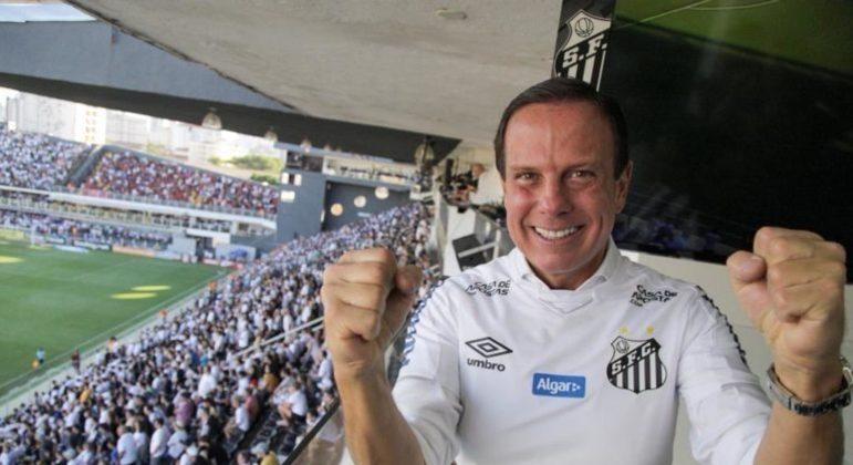 João Doria não queria que o futebol seguisse. Em meio ao pico da pandemia pela covid-19