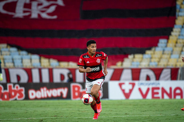 João Gomes (20 anos) - Volante - 23 jogos
