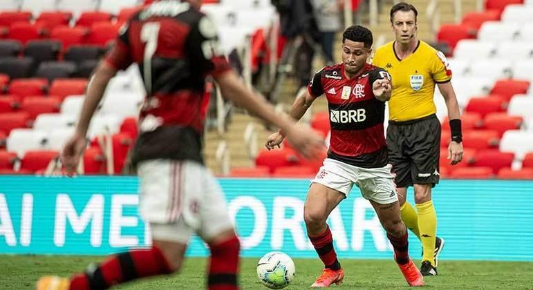 João Gomes - Volante - 20 anos - Contrato até 31/12/2025