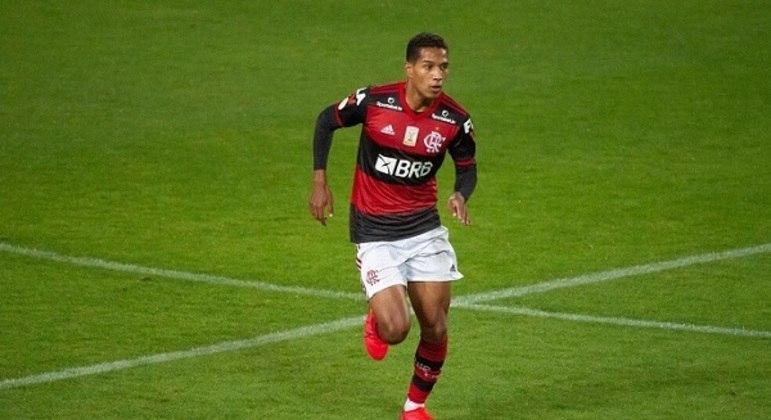 João Lucas - Lateral-direito - 23 anos - Contrato até 31/12/2021