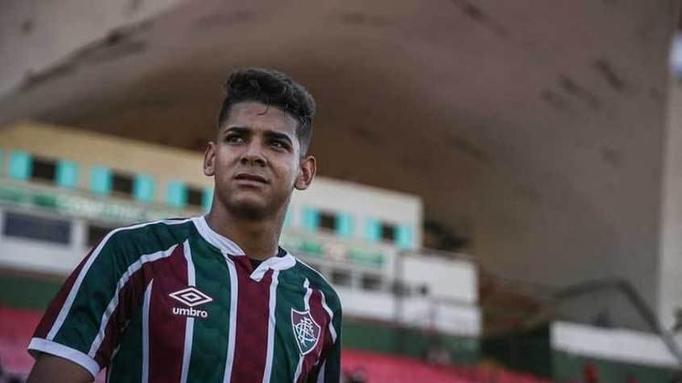 João Neto - atacante - 17 anos - contrato até 30/09/2022 (contrato de formação)
