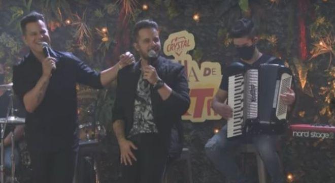 João Neto & Frederico se apresentaram no último programa da temporada