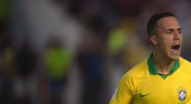 João Peglow marcou dois gols e foi o grande destaque da seleção na vitória por 4x1, no estádio Bezerrão