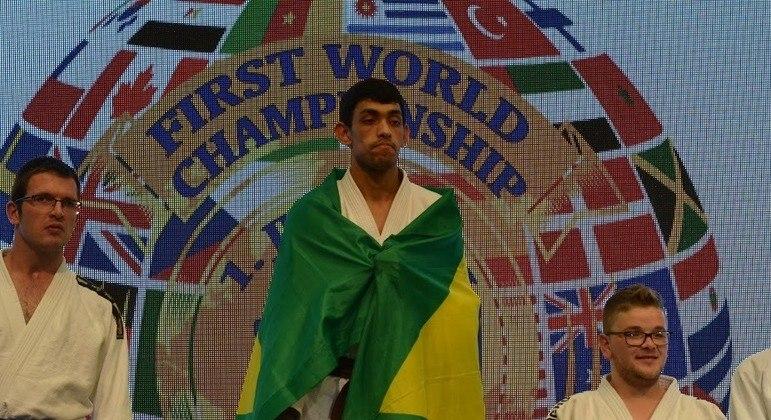 João Vitor foi campeão mundial de Judô DI