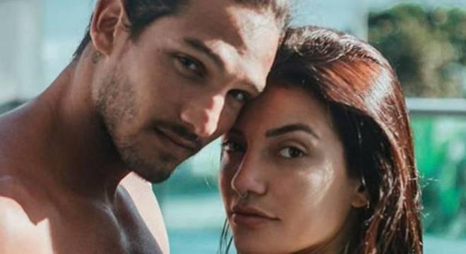 João Zoli e Gabi Prado iam se casar em novembro