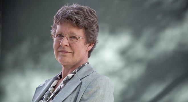 Jocelyn Bell Burnell teve participação-chave em pesquisa sobre objetos cósmicos que iluminam o céu