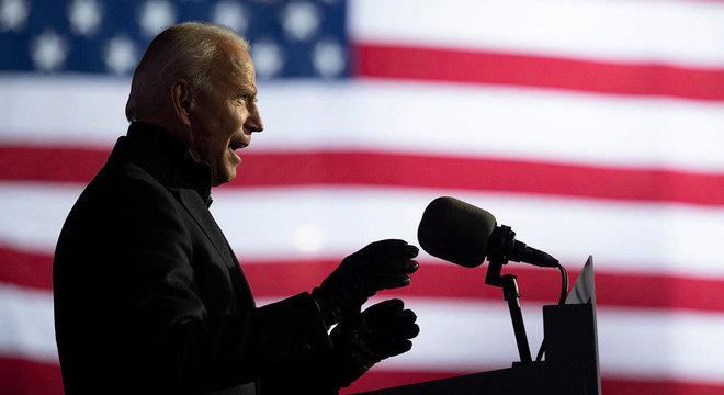 Joe Biden foi eleito o novo presidente dos Estados Unidos, ao derrotar o atual mandatário do país, Donald Trump, segundo apontam as projeções da contagem de votos