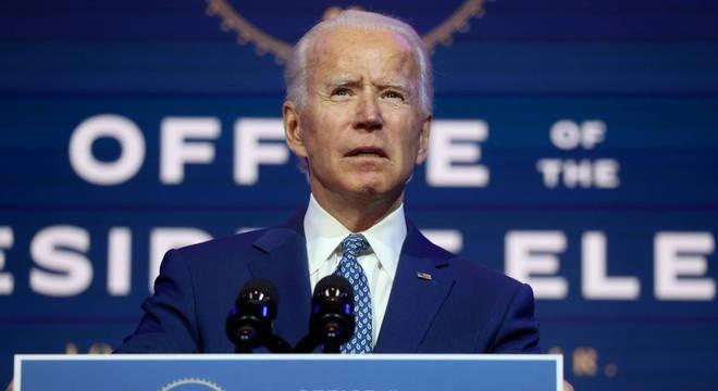 Biden ajudou a aprovar lei que apoiava o desenvolvimento do Programa de Tripulação Comercial