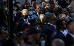 Biden visita locais dos ataques no aniversário de 20 anos do 11/9VEJA MAIS