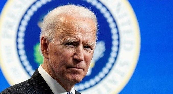 Biden é 1º presidente a omitir Deus em discurso no Dia da Oração