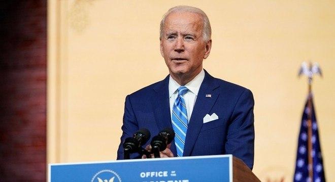 Joe Biden pediu ajuda da população no combate contra a pandemia