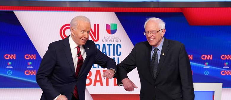 Sanders prometeu apoiar Biden