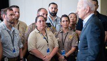 Biden vai à Flórida para consolar famílias após desabamento