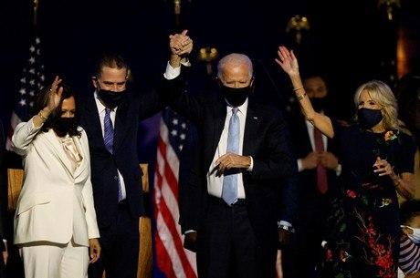 Biden e Kamala Harris comemoram vitória