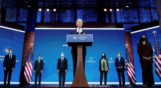 Joe Biden anuncia seis membros do novo governo