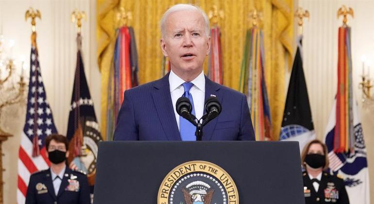 Biden deve anunciar programa para venezuelanos nesta terça (9)