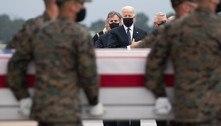 Joe Biden presta homenagem a militares mortos no Afeganistão