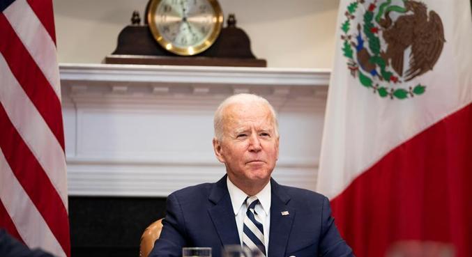 Biden durante reunião virtual com o presidente do México, López Obrador