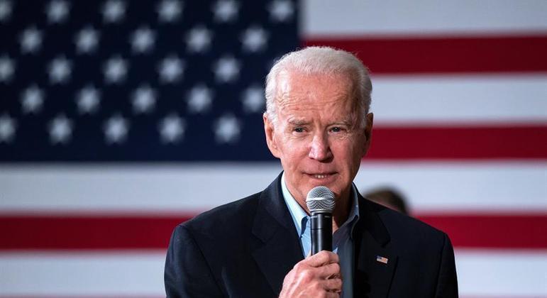 Candidato democrata vence eleições para Senado e aproxima Biden de maioria no Congresso