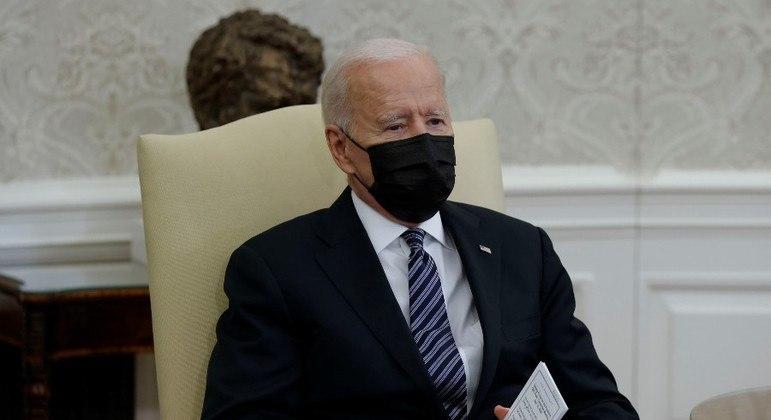 Biden se reuniu com a bancada de congressistas negros nesta terça-feira (13)