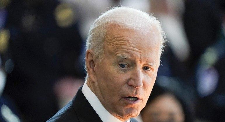 Biden sugeriu a Putin uma cúpula para reduzir tensões na fronteira Rússia-Ucrânia