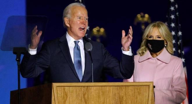 Joe Biden discursa para apoiadores na cidade de Wilmington